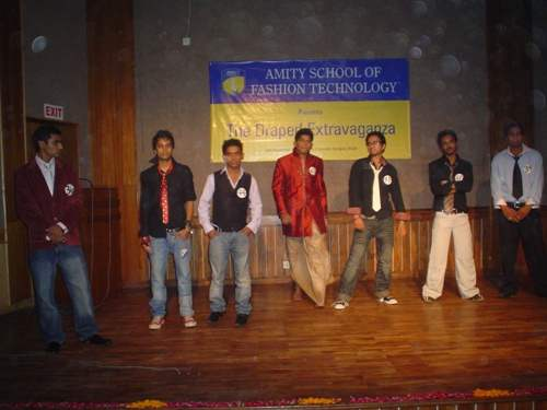 Amity School Of Fashion Technology Noida Courses Fees Reviews Placements Collegesearch
